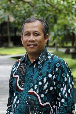 Ir. Bambang Heri Isnawan, M.P.