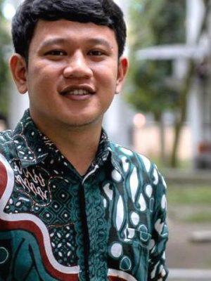 Dr. Ihsan Nurkomar , S.P